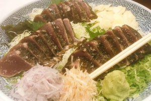 【高知県】やっぱりカツオのタタキは最高すぎる! これだけをわざわざ食べに行く価値あり!